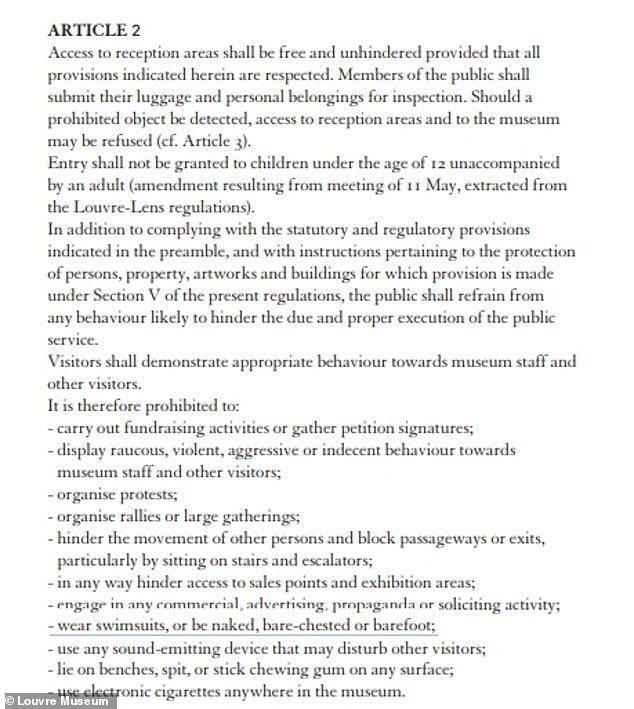 博物館參觀者規定的摘錄表明禁止「穿泳衣」,裸露、赤裸上身或赤腳。 圖擷自每日郵報...