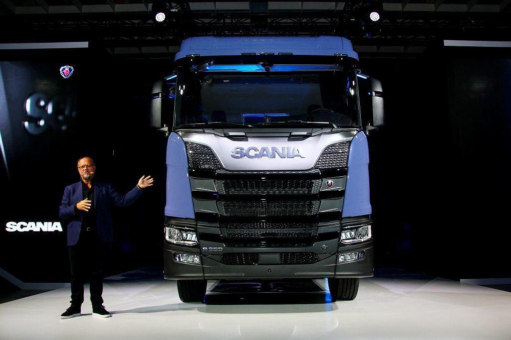 新世代Scania主剎車系統為雙迴路EBS電子式剎車,其中包含ABS防鎖死剎車系統、TC循跡防滑控制系統。 記者張振群/攝影