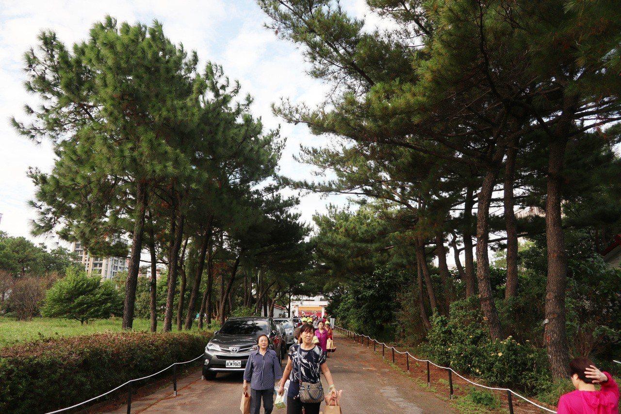 桃園市八德區大湳森林公園擁有豐富生態,今舉行第一期園區開園典禮,開放2.1公頃供...