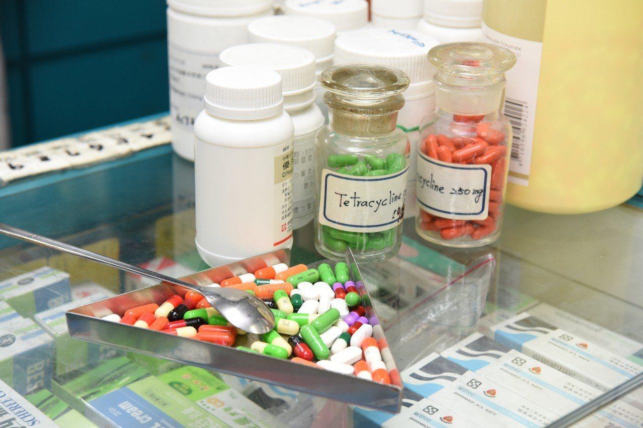 台北醫學大學研究泌尿道感染的患者抗藥性都比過往高,台灣已經達到15%到25%,與...