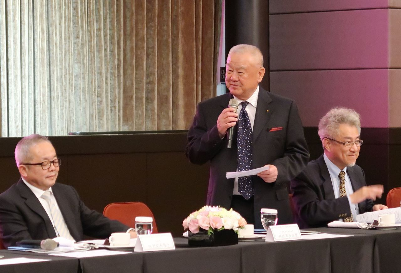 中華民國工商協進會理事長林伯豐(中)表示,企業在台投資關卡仍與「五缺」有關,台灣...