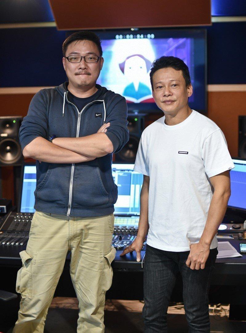金馬影帝李康生(右)首度為金馬獎獻聲,幫23個獎項、42部入圍影片配音,左為司儀...
