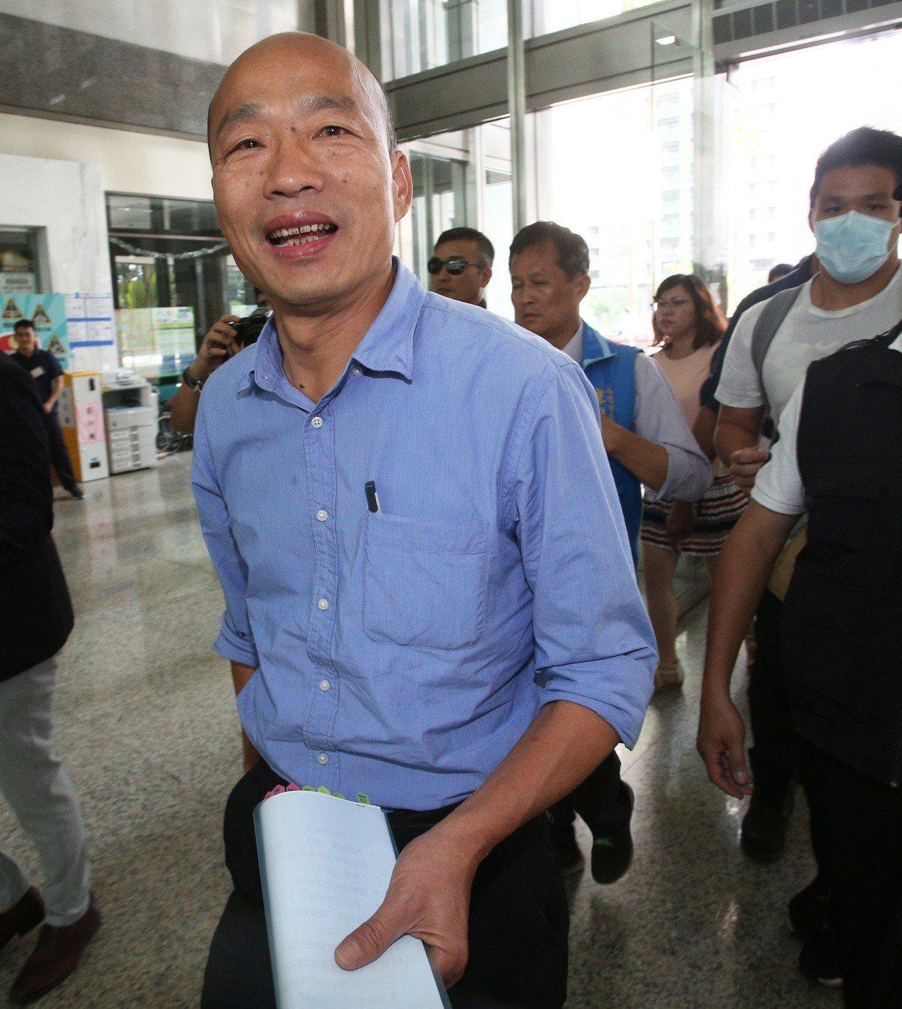 國民黨高雄市長候選人韓國瑜被另三位候選人攻擊,結論時採感性回應。記者劉學聖/攝影