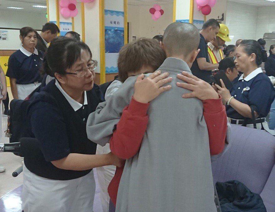 普悠瑪列車事故造成許患者身心創傷,慈濟投入關懷。 圖/慈濟基金會提供