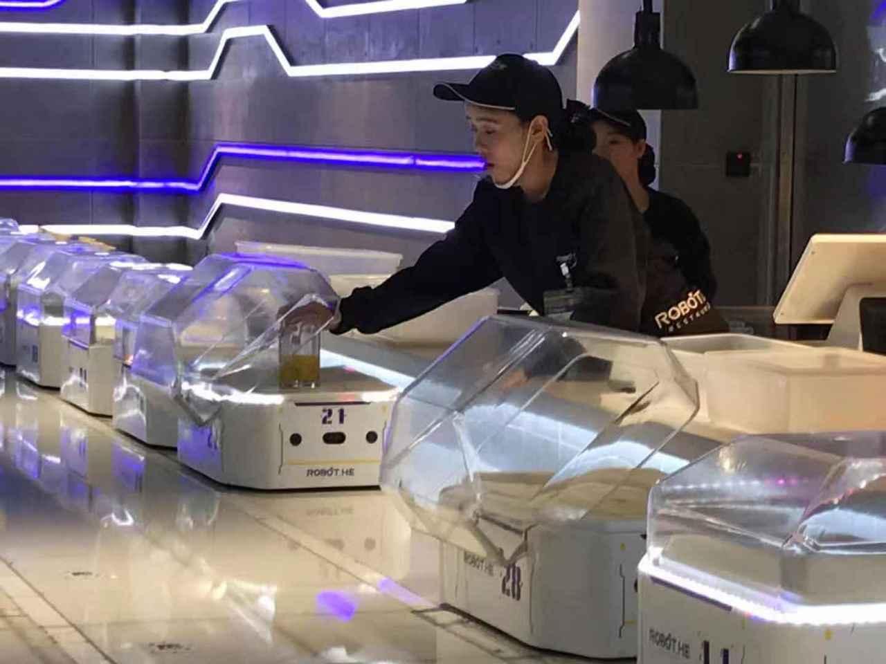 盒馬鮮生打造機器人餐廳。記者蔡銘仁/攝影