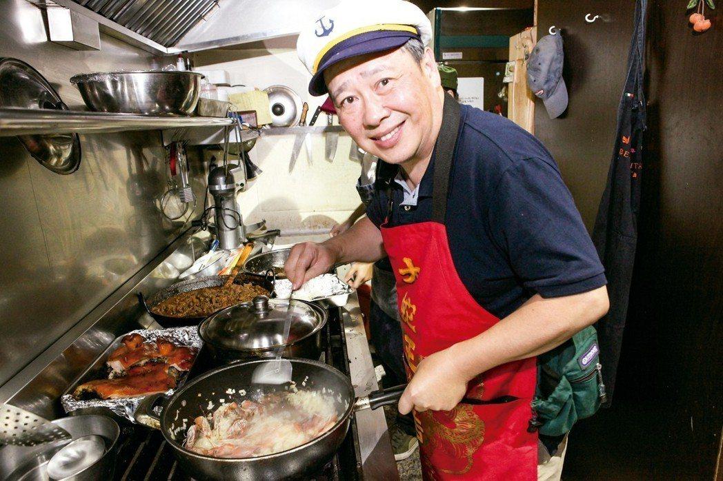 今日主廚╱賴向榮煮飯的人,想讓吃飯的人快樂:醫療的人,想讓病痛的人好轉。多年...