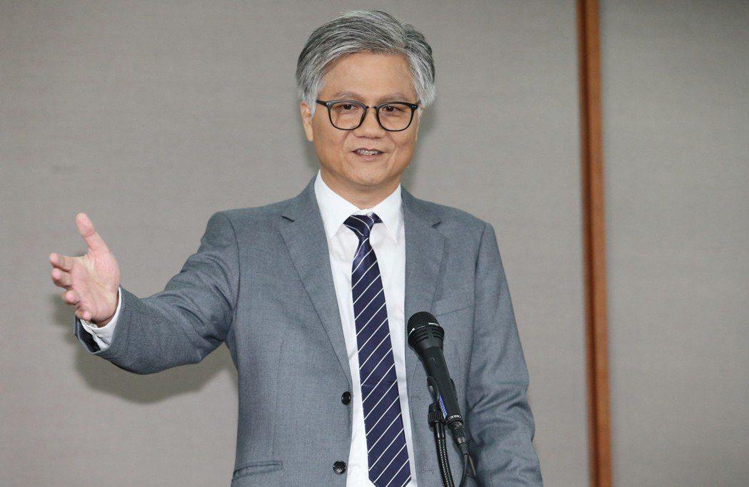 辯論會後,無黨籍台北市長候選人吳蕚洋(圖)接受媒體記者提問。記者許正宏/攝影 許...