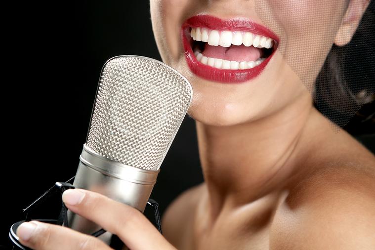 其實年過50聲音就會開始老化,有時只聽聲音,不見其人,也可以猜出對方大概的年齡,...