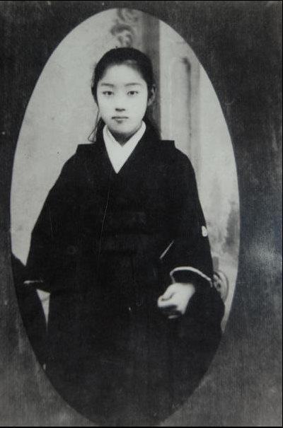 父孫中山其中一任夫人大月薰,照片中的她年僅12歲。 圖/取自維基百科