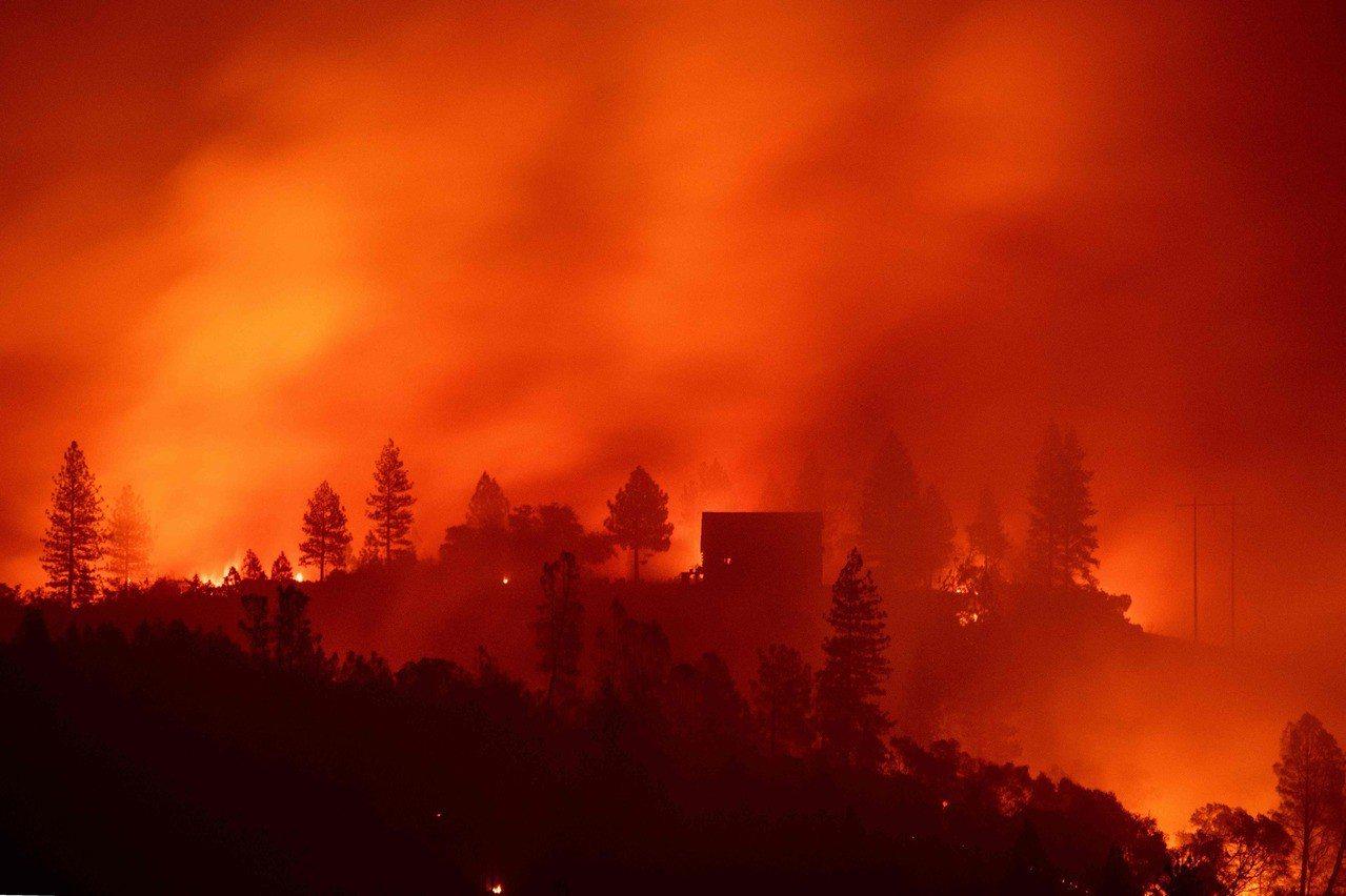 美國加州近期野火肆虐。 法新社