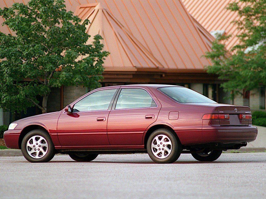 1999 Toyota Camry。 摘自Toyota