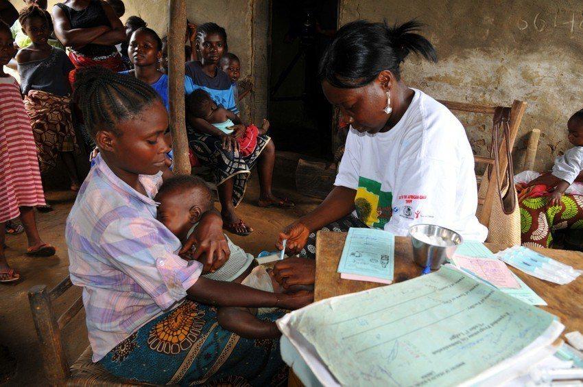 最新一波的剛果伊波拉疫情已造成200死,但世界衛生組織表示情況正在改善。(圖為示...