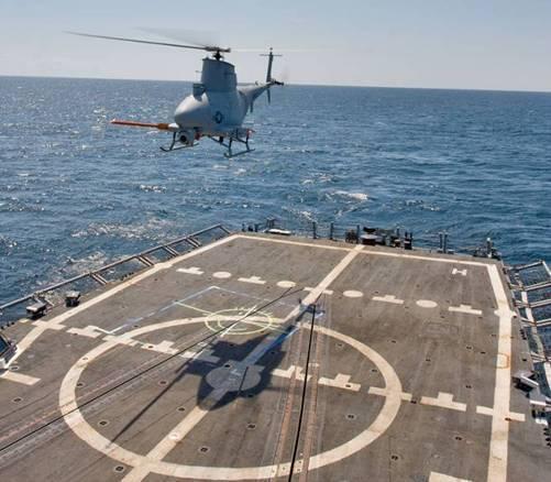 圖為美國海軍MQ-8B無人直升機在艦上起降的畫面。圖/U.S Navy phot...