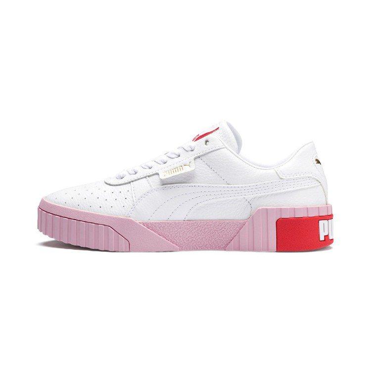 PUMA Cali系列白色搭配粉色厚底鞋,2,980元。圖/PUMA提供