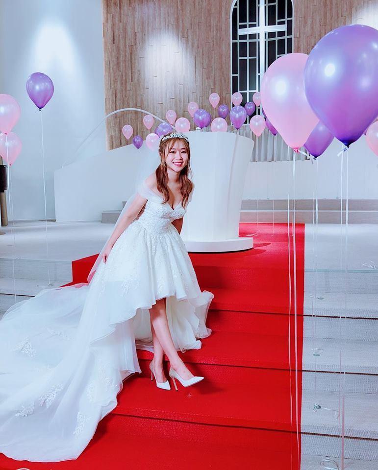 鄭茵聲日前曬出婚紗照。圖/摘自臉書