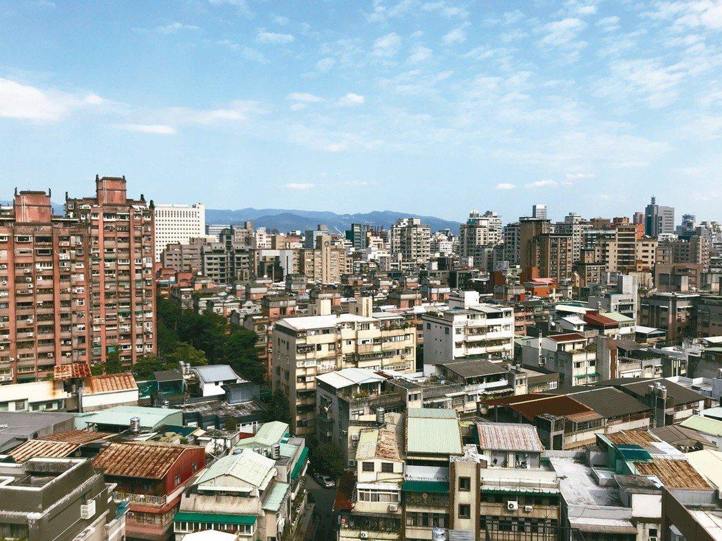 台北市仍有許多危、老、舊的建築,都市更新是最重要的問題。 (本報系資料庫)