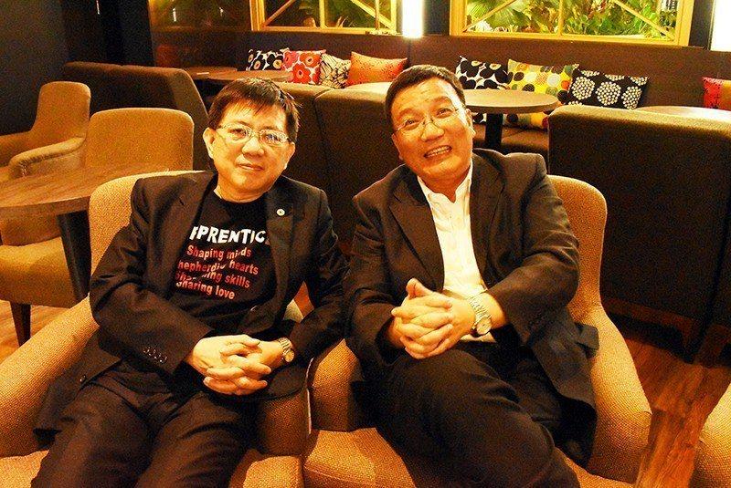 吳英明(右)認為,台灣需克服文化上的優越感及偏見,台菲兩國彼此之間欣賞就會看到需...