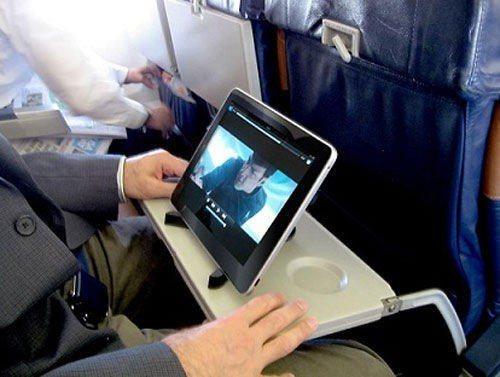善用航空公司提供的娛樂服務。 圖/stltoday.com