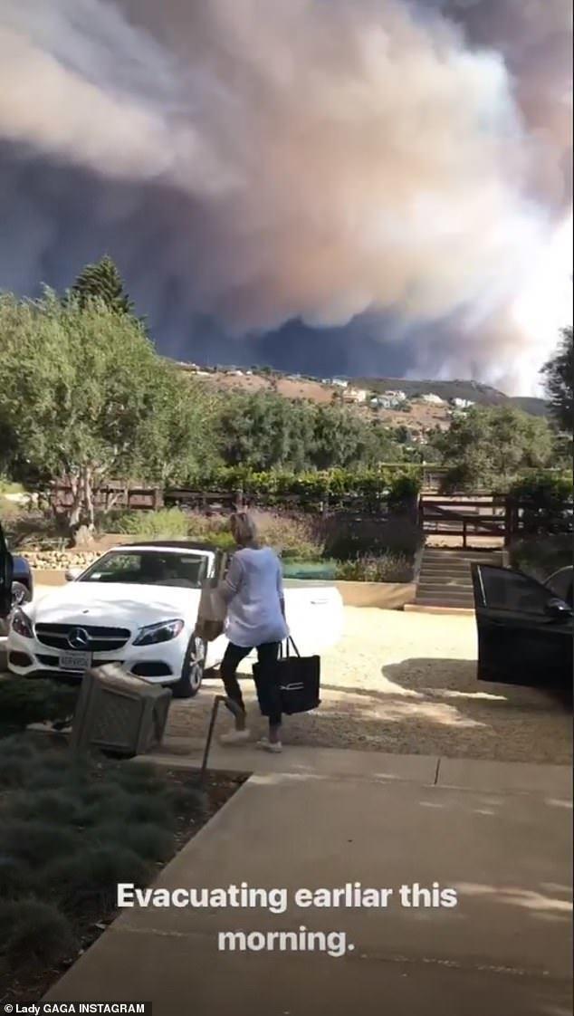 女神卡卡拍下加州野火肆虐的景象。圖/摘自IG