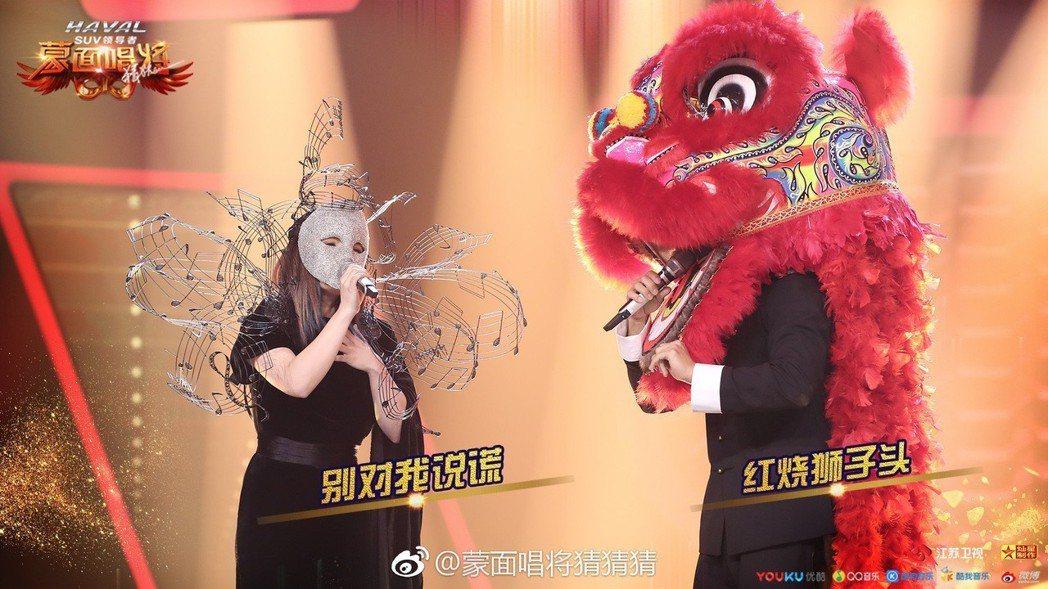 徐佳瑩(左)和李玖哲的聲線都很獨特。圖/摘自微博