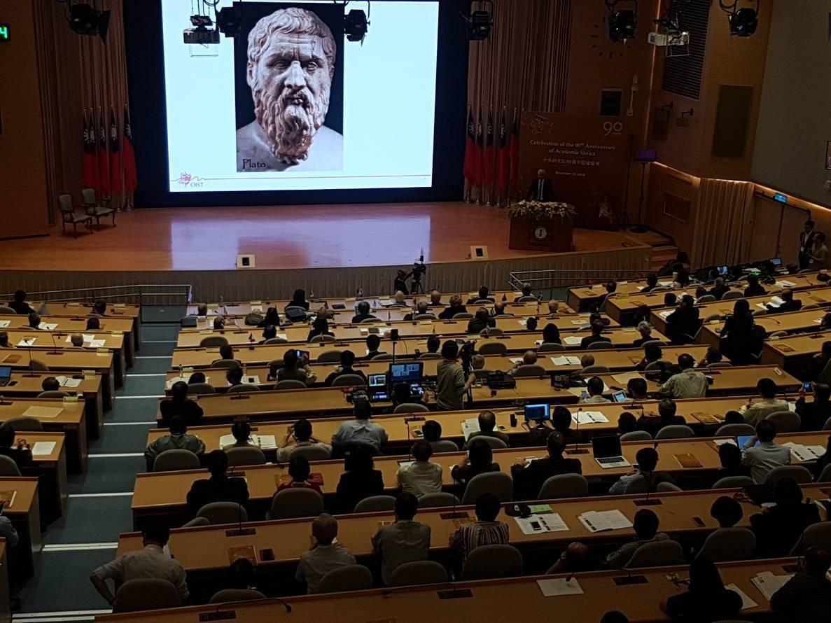 沖繩科技大學院大學校長Peter Gruss演講。記者吳佩旻/攝影