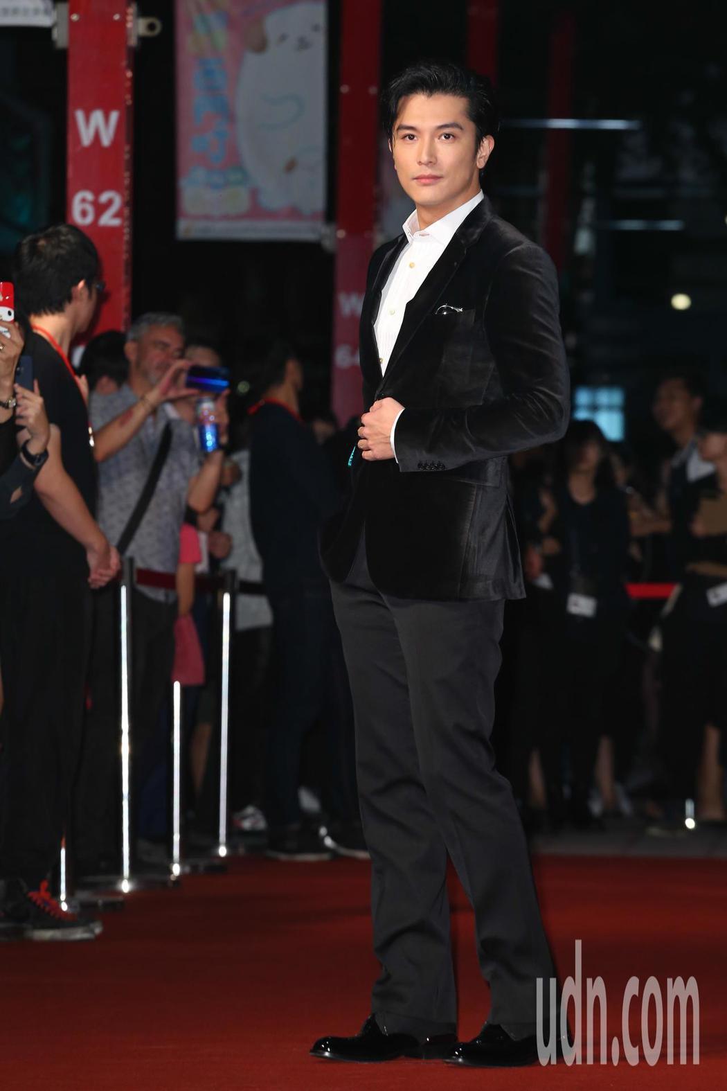 《誰先愛上他的》演員邱澤今天出席金馬影展紅毯之夜。記者葉信菉/攝影