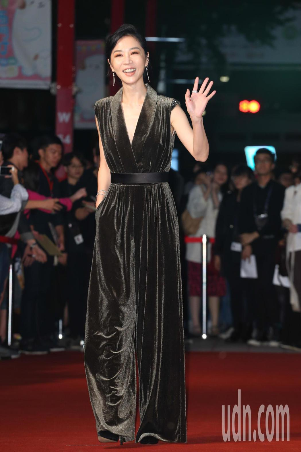 《誰先愛上他的》演員謝盈萱今天出席金馬影展紅毯之夜。記者葉信菉/攝影