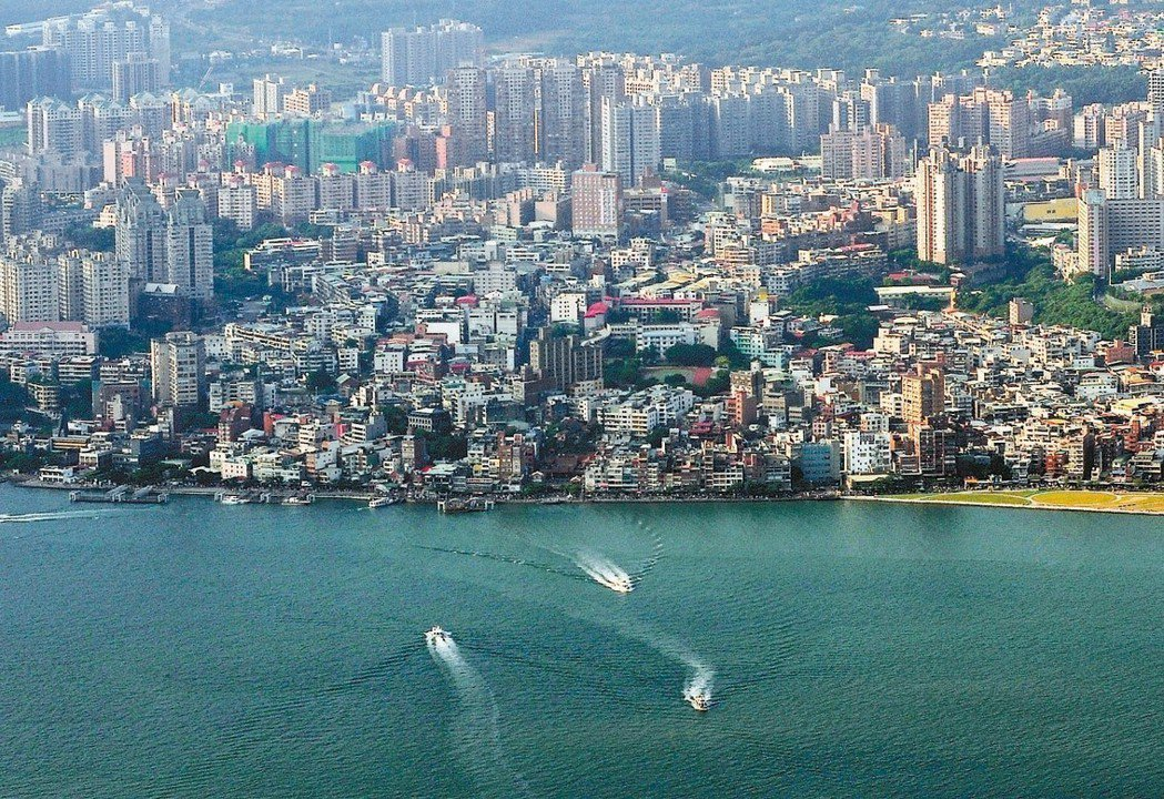 淡海許多投資客新成屋以一字頭求售,購屋人大多捨棄預售案。 聯合報系資料照