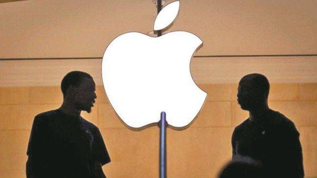 蘋果新機後續銷量不看好,傳砍單消息,台灣供應鏈也蒙上陰影。 路透