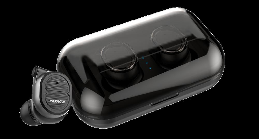 PAPAGO! W1收納盒內亦有鋰電池儲電設計,可供耳機充電約5次,使續航力延伸...