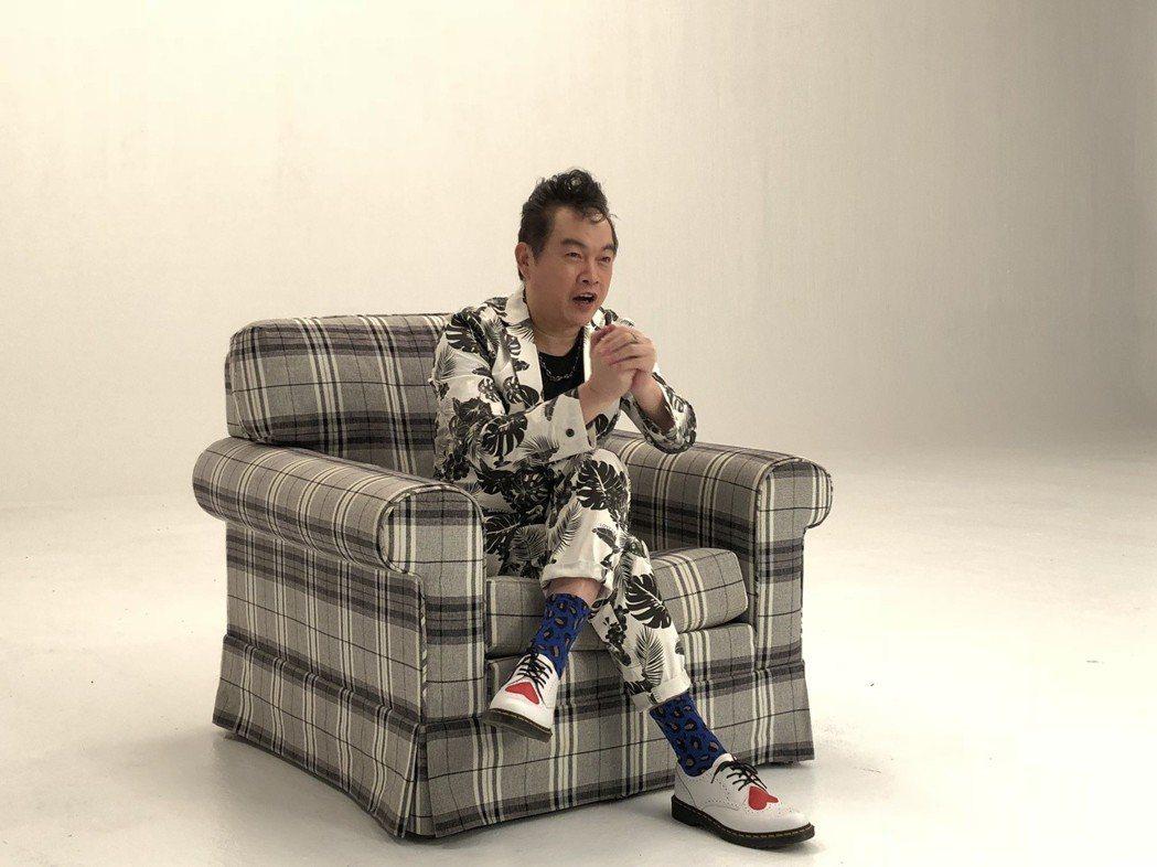 康康拍攝新歌「驚某大丈夫」MV。記者林士傑/攝影
