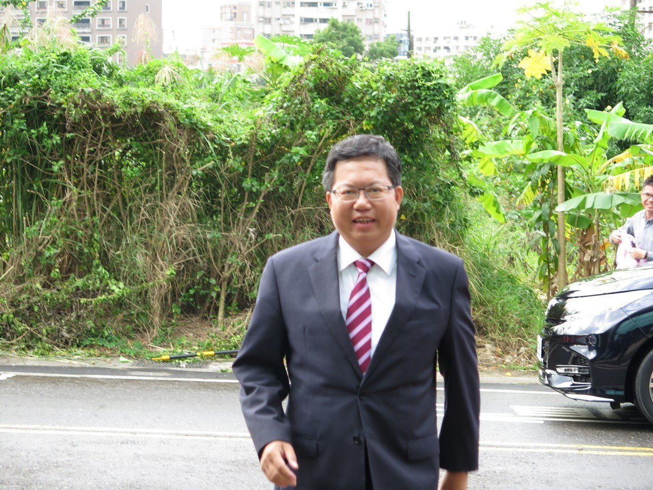 面對對手紛紛提出福利政策,市長鄭文燦不以為然,認為部分政策是亂開選舉支票。記者張...