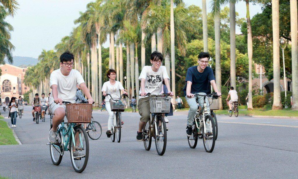 2017至2018學年度,赴美國大專院校就讀的台灣留學生總數已經連續第三年成長,...