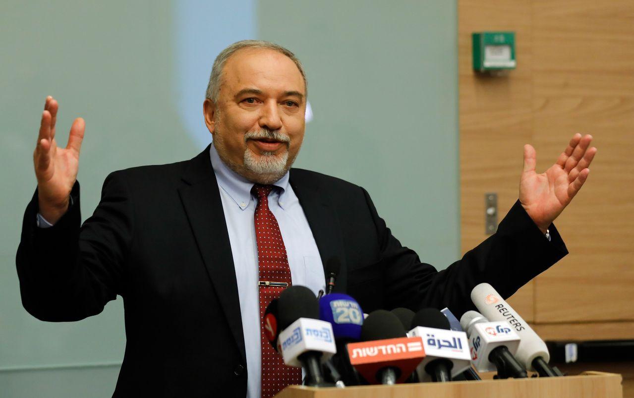 李柏曼(Avigdor Lieberman)不滿以色列與哈瑪斯達成停火協議,宣布...