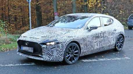 新一代Mazda 3偽裝車捕獲 洛杉磯車展蓄勢待發