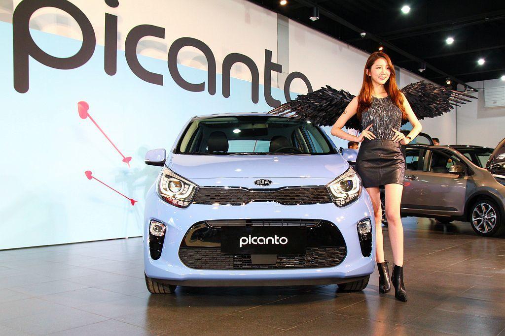 Kia Picanto驚豔版及GT-Line車型再多增加駕駛座膝部防護氣囊外,更...
