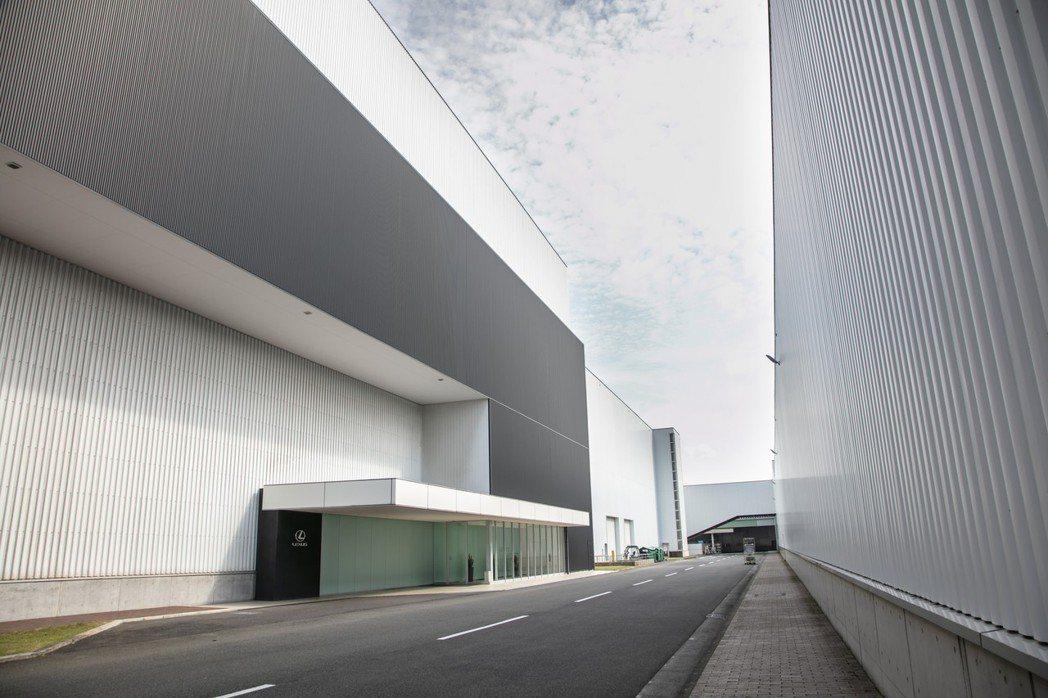 LEXUS UX目前將由九州宮田工廠專門生產。 圖/LEXUS提供