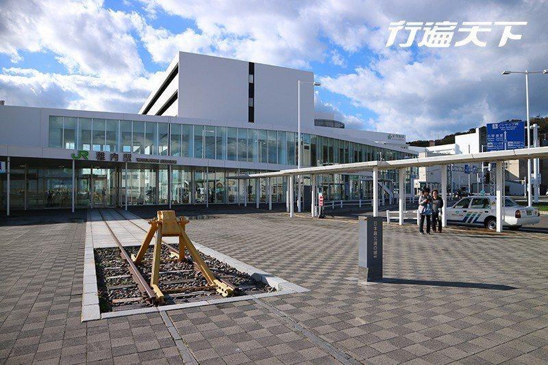 稚內車站是鐵道迷爭相收藏的最北路線點  攝影 行遍天下