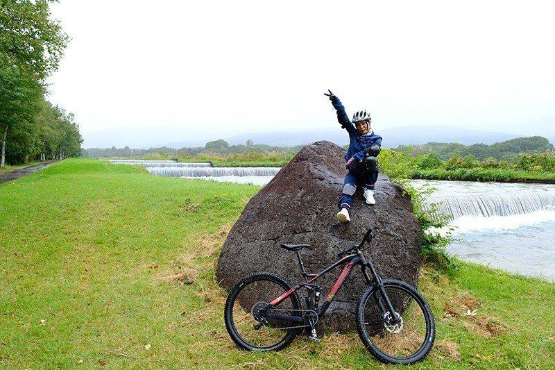 在自行車之旅的途中享受高原的微風。  攝影|行遍天下