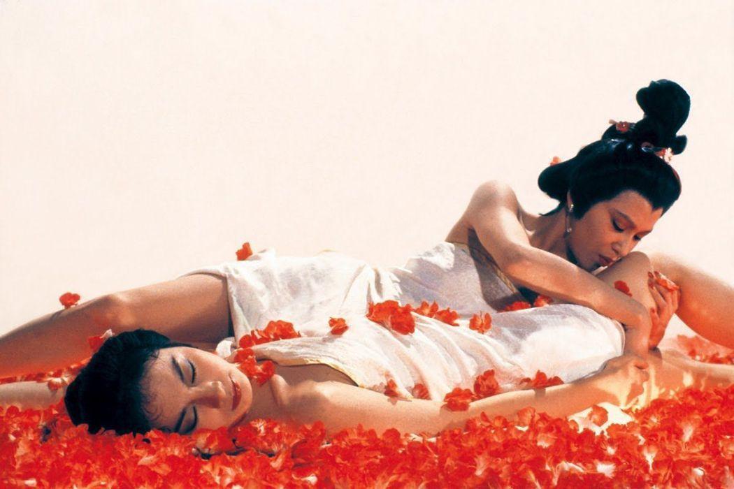 胡冠珍與余安安在「愛奴新傳」的宣傳畫面上就有煽情互動。圖/摘自HongKong ...