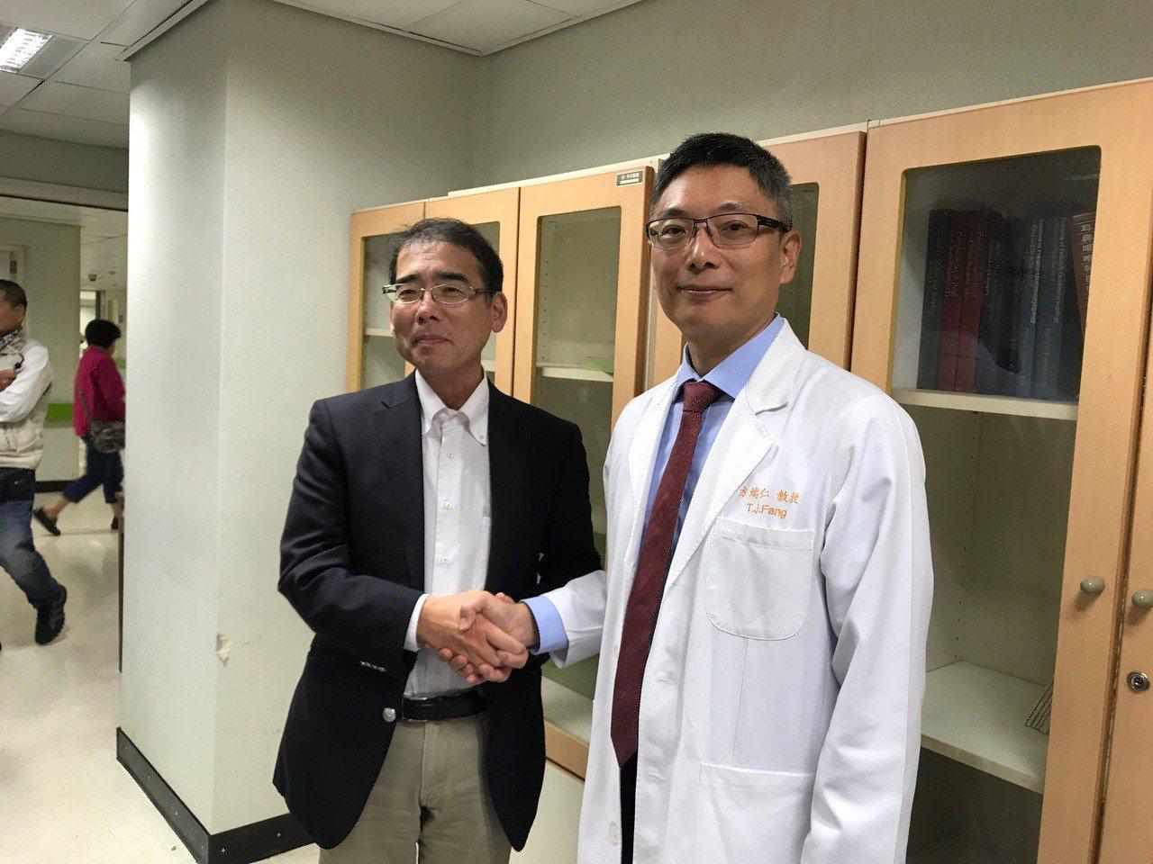 來自日本的咽喉癌、喉癌病友組織「悠聲會」,今日前往林口長庚耳鼻喉部參訪,副部長方...