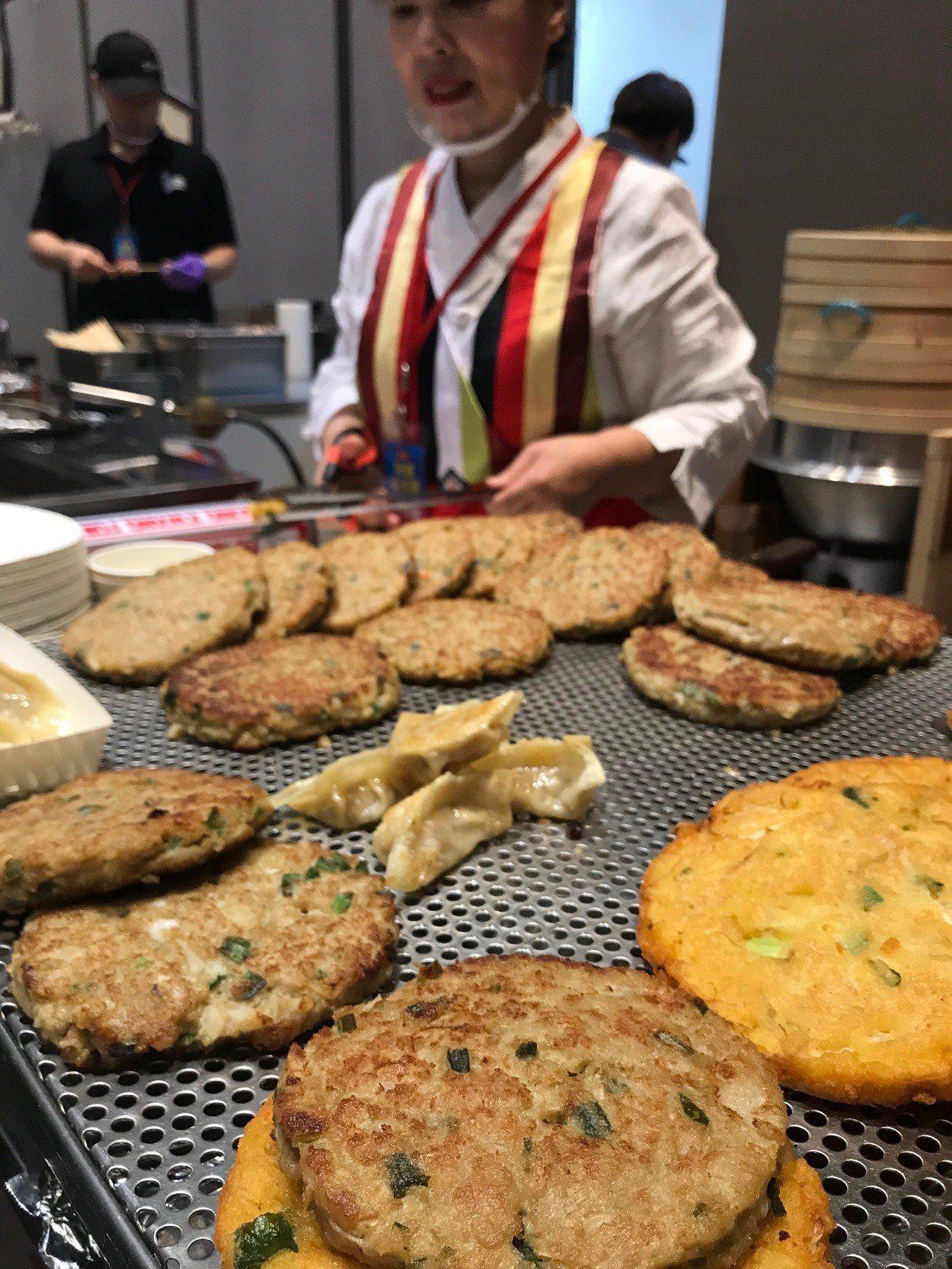 韓國廣藏市場在地老店順姬家綠豆煎餅首度來台。記者江佩君/攝影