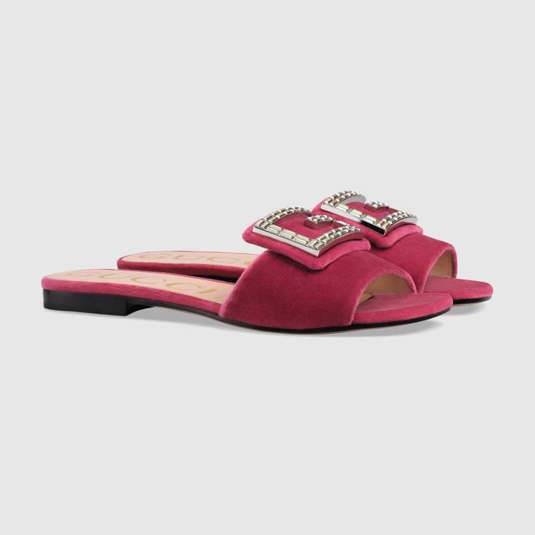 GUCCI水晶雙 G Logo裝飾天鵝絨涼鞋,價格店洽。圖/GUCCI提供