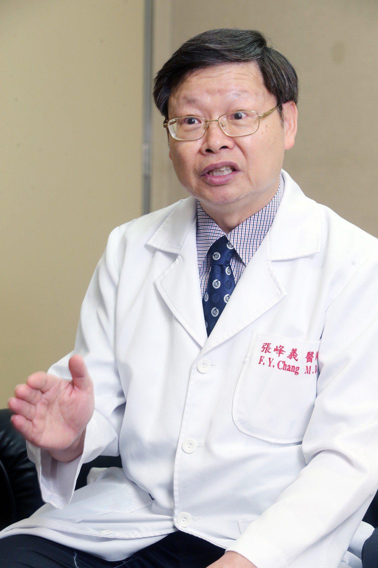 台灣感染管制學會理事長張峰義表示,各科醫師對抗生素的專業知識非常關鍵。記者徐兆玄...