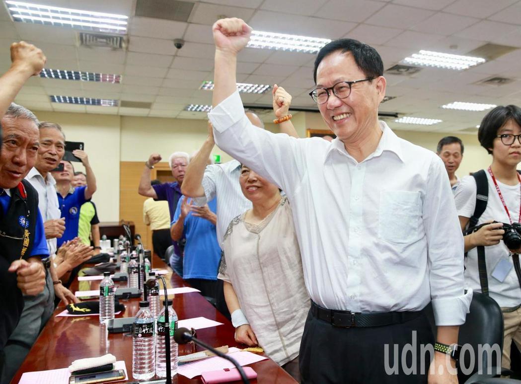 國民黨台北市長候選人丁守中,選舉不怕收到書。圖/聯合報系資料照片