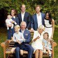喬治小王子笑得燦爛、路易小王子罕見露面!英國皇室三代同堂超溫馨