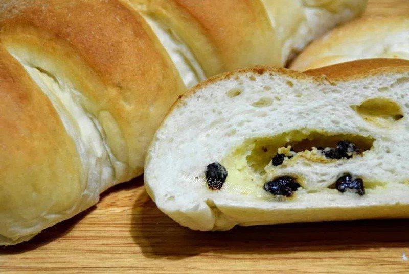 奶酥麵包裡面放葡萄乾讓很多人崩潰 圖片來源/icook