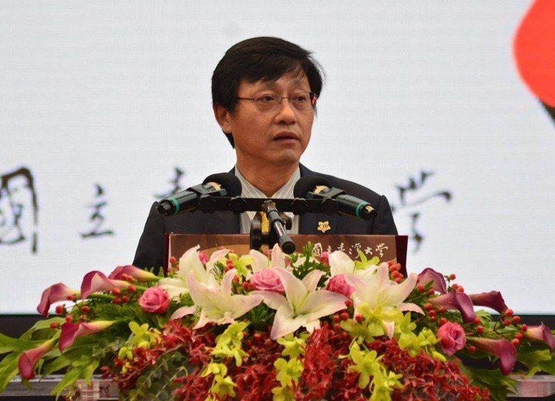 台灣大學代理校長郭大維致詞時表示,現在是台大最黑暗的時刻。(photo by許嘉琪/台灣醒報)