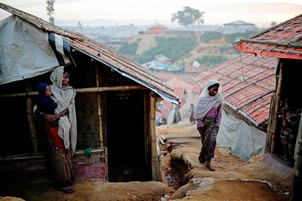 約72萬名洛興雅人去年為逃離緬甸軍警暴行,進入孟加拉。圖為孟加拉邊境的科克斯巴札爾難民營。路透