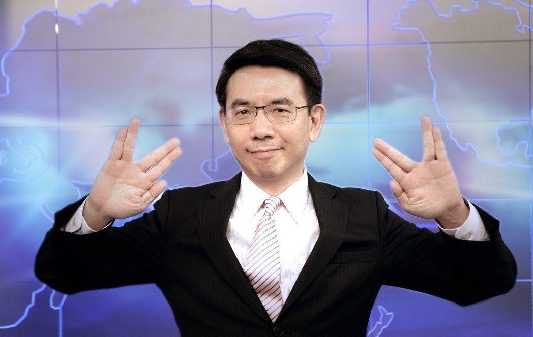 劉寶傑的節目有一陣子不談政治,只談外星人及新鮮事。圖/東森提供